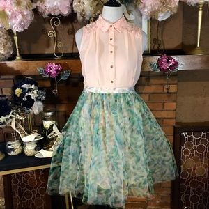 LAUREN CONRAD SKIRT (L); NY COLLECTION TOP (M)